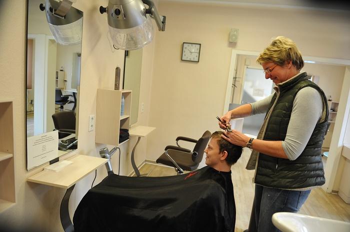 Friseur leer